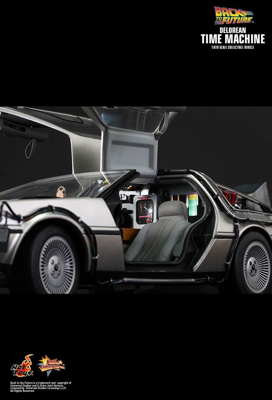 Hot Toys Back To The Future Delorean Time Machine