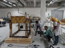 Conservators scanning Tutankhamon's Bed