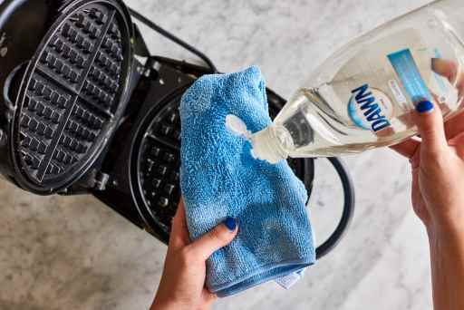 How to clean a waffle iron the first time