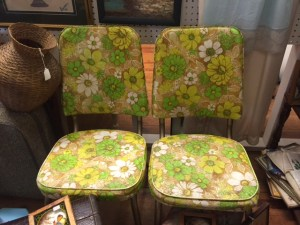 Awesome retro kitchen chairs!