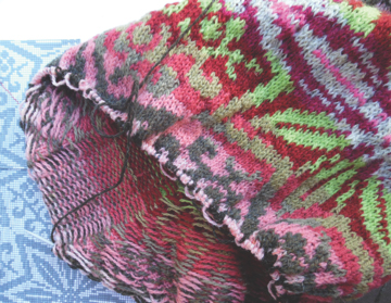 Janine Bajuse colorwork knitting in progress