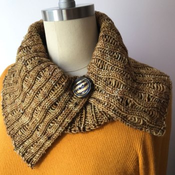 Naples Collar & Cowl: DK Cowl in Pippin