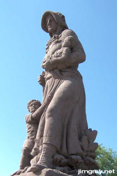 Madonna of the Trail, Vandalia