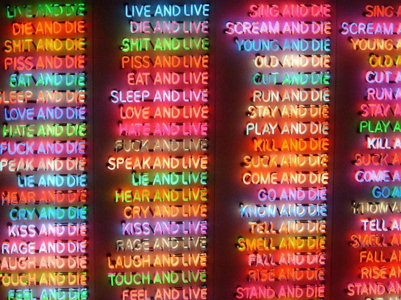 bruce-nauman-100-live-and-die-close