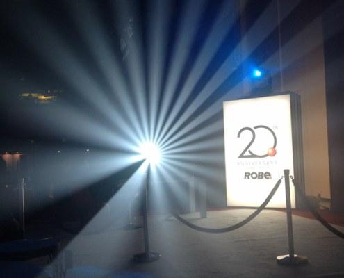 ldi2014-jimonlight-showfloor-1