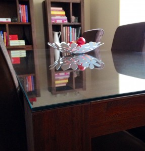 Article-101-287x300 Why Should Table Tops Be Glass