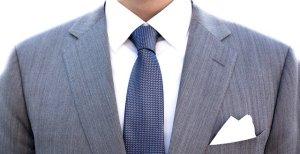 スーツ姿の男性,中川郁子