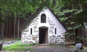 Přespání pod Třemšínem v bývalé kapli