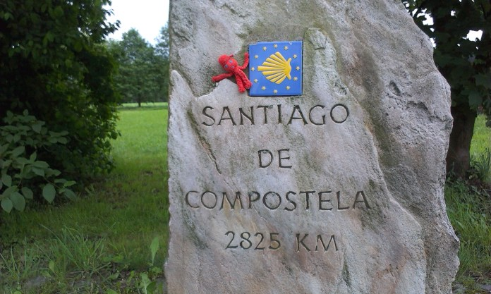 Kámen značící vzdálenost do Santiáda de Compostela