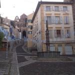 Polovina poutní trasy do Santiago de Compostela vymezuje město Le Puy en Velay a jeho katedrála.