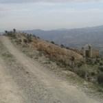 Ohrada na vrcholu kopců ve španělské Andalusii.
