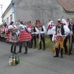 Krojovaný průvod, kroje, tradice, lidové tance, zpěvy.