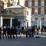 Pouliční umělci na trhu Covent Garden v Londýně