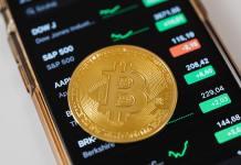 Bitcoin, mince, zlato, mobilní telefon, kurz, burza, graf