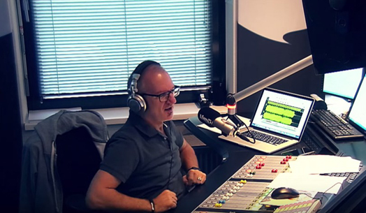 Jeroen in de uitzendstudio