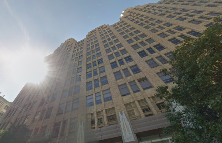 WCBS-FM New York - bron Google maps