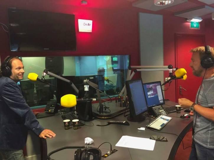 Arjan Snijders (L) en Harm Edens bij NH Radio - foto NH Radio