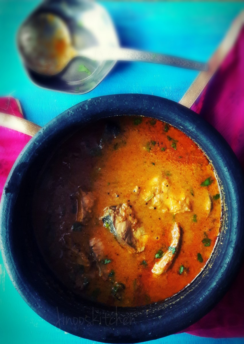 Malabar fish curry with coconut ~ Varutharacha Meen curry