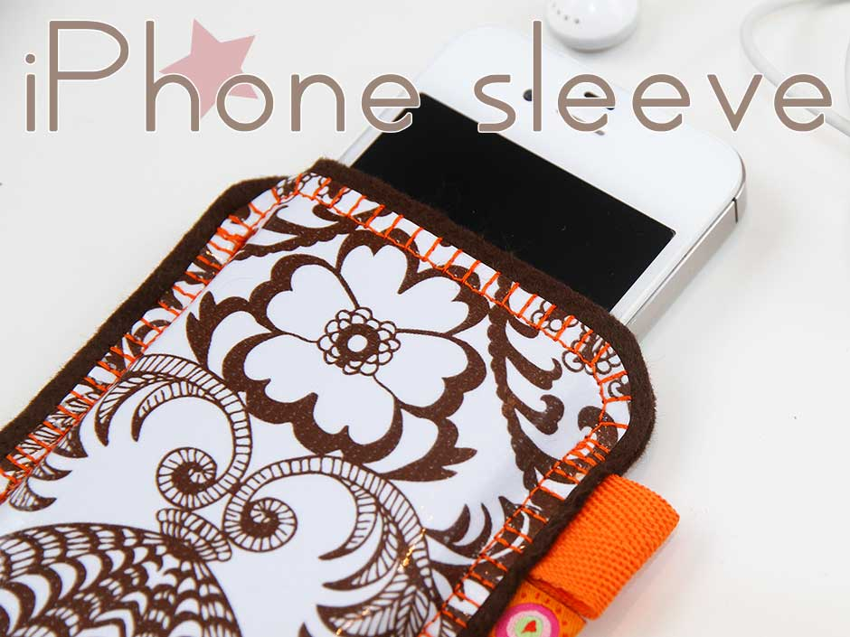 Tutorial iPhone sleeve made out of oilcloth and felt