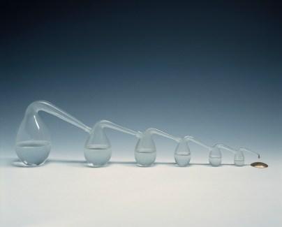Richard Meitner, Reductio ad Absurdum, 1977, Glas und Gold, 25 x 80 cm, Privatsammlung, Foto: Ron Zijlstra, © Richard Meitner