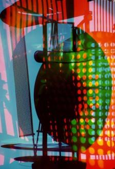 """Floris Neusüss und Renate Heyne, Farbfotogramm mit dem """"Lichtrequisit für eine elektrische Bühne"""" von László Moholy-Nagy, 2013 © (László Moholy-Nagy) VG Bild-Kunst, Bonn 2014"""