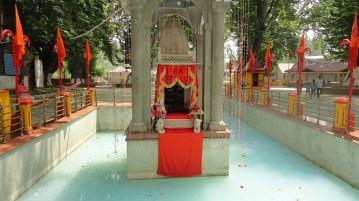 Kheer_Bhawani_Temple_Srinagar_India