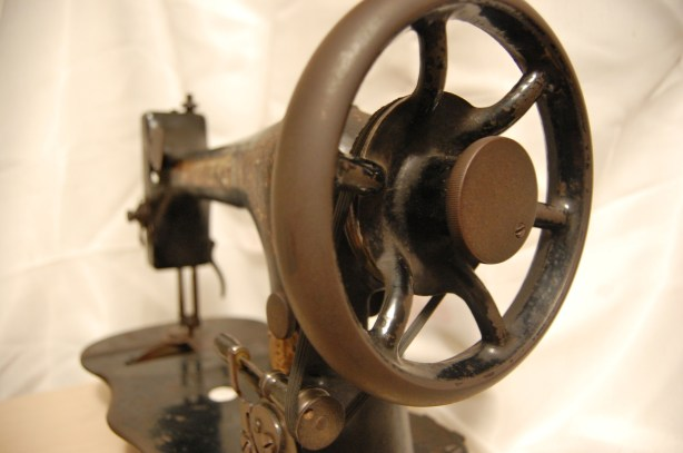 1871 antique vintage singer sewing machine