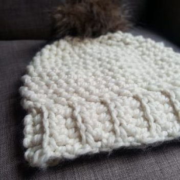 chunky cream crochet hat