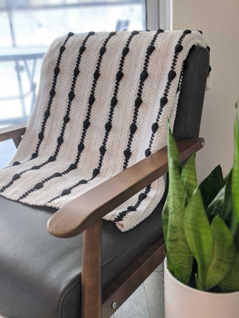 Black and White Crochet Bobble Blanket - JJCrochet
