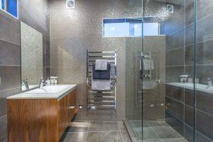 Sprott Rd, Bathroom 3