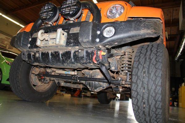 Amy-Lerner-2012-Jeep-Wrangler-JK-AEV-Race-Jeep--11--Front-AEV-Supsnesion-Lift