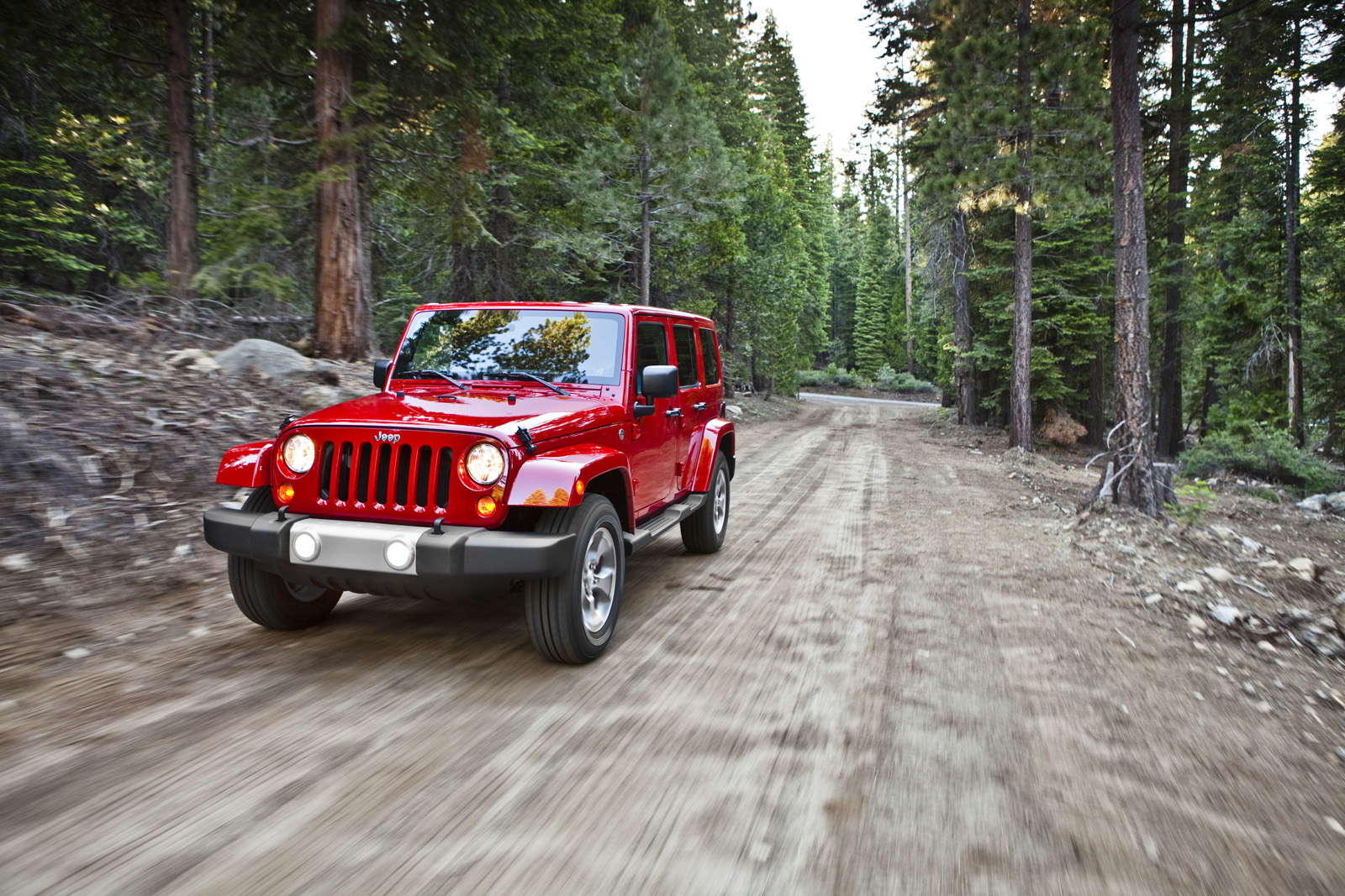 Unofficially Confirmed: Next Jeep Wrangler Getting 8-Speed