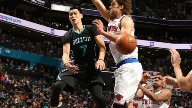 160123212424-robin-lopez-jeremy-lin-new-york-knicks-v-charlotte-hornets.video-player