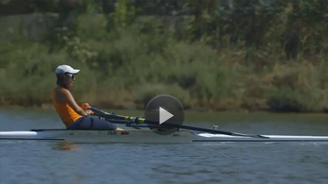 Image of Jasmine rowing
