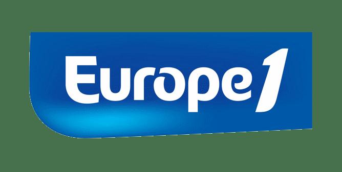 voix off femme Europe 1