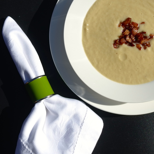 Cauliflower and Leek Soup With Crispy Bacon Bits