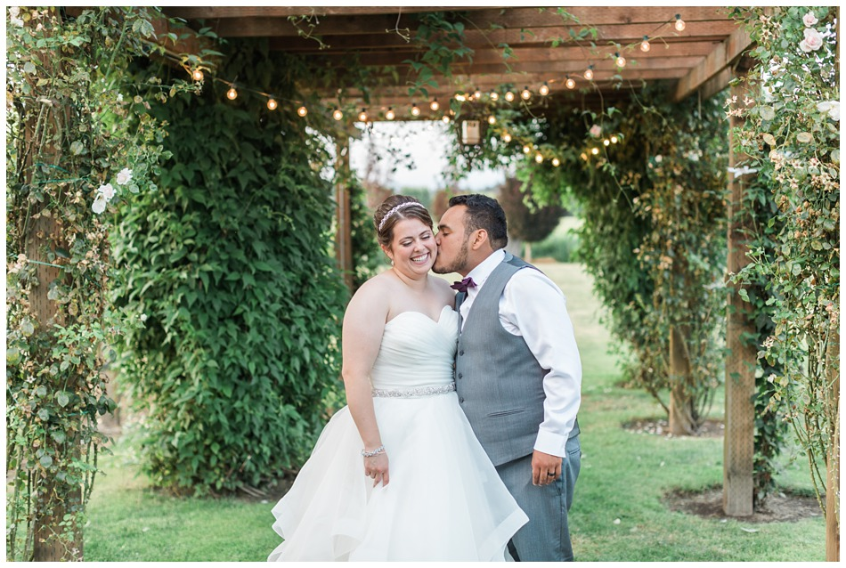 Photo of bride and groom ata rustic barn wedding at Craven Farms in Snohomish, a wedding venue near Seattle. | Joanna Monger Photography