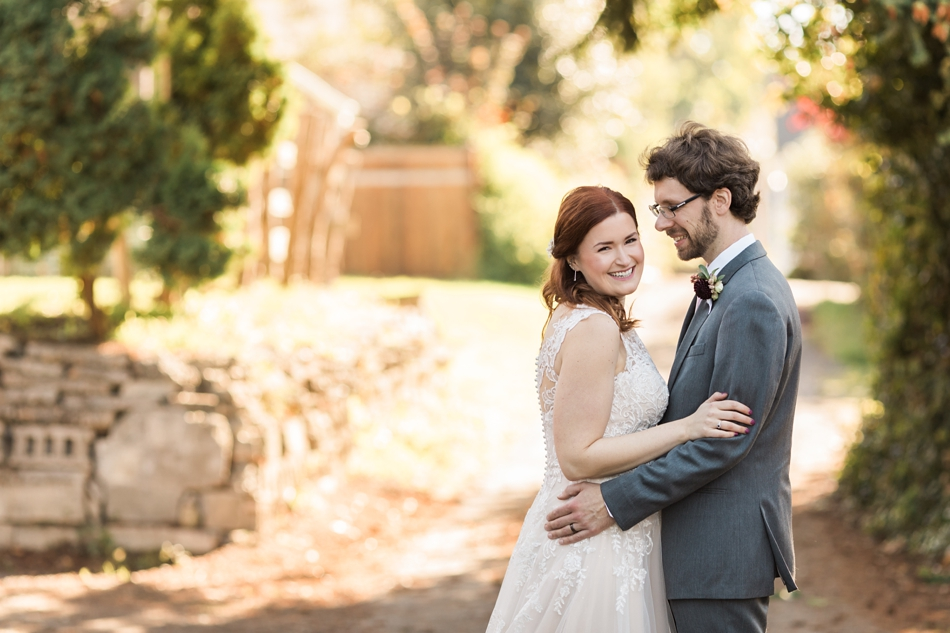 Photo of bride and groom at Snohomish Wedding Venue Dairyland Barn near Seattle | Joanna Monger Photography