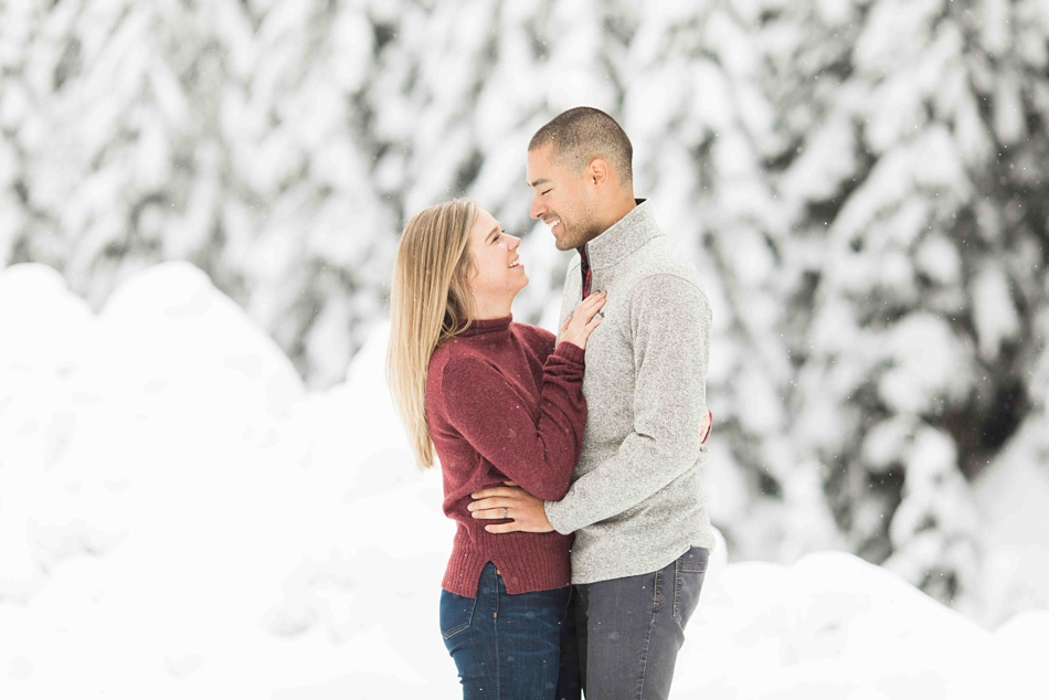 Winter engagement shoot couples portrait in the snow for a summer wedding at Twin Willows in Snohomish, a wedding venue near Seattle, WA. | Joanna Monger Photography | Snohomish Wedding Photographer
