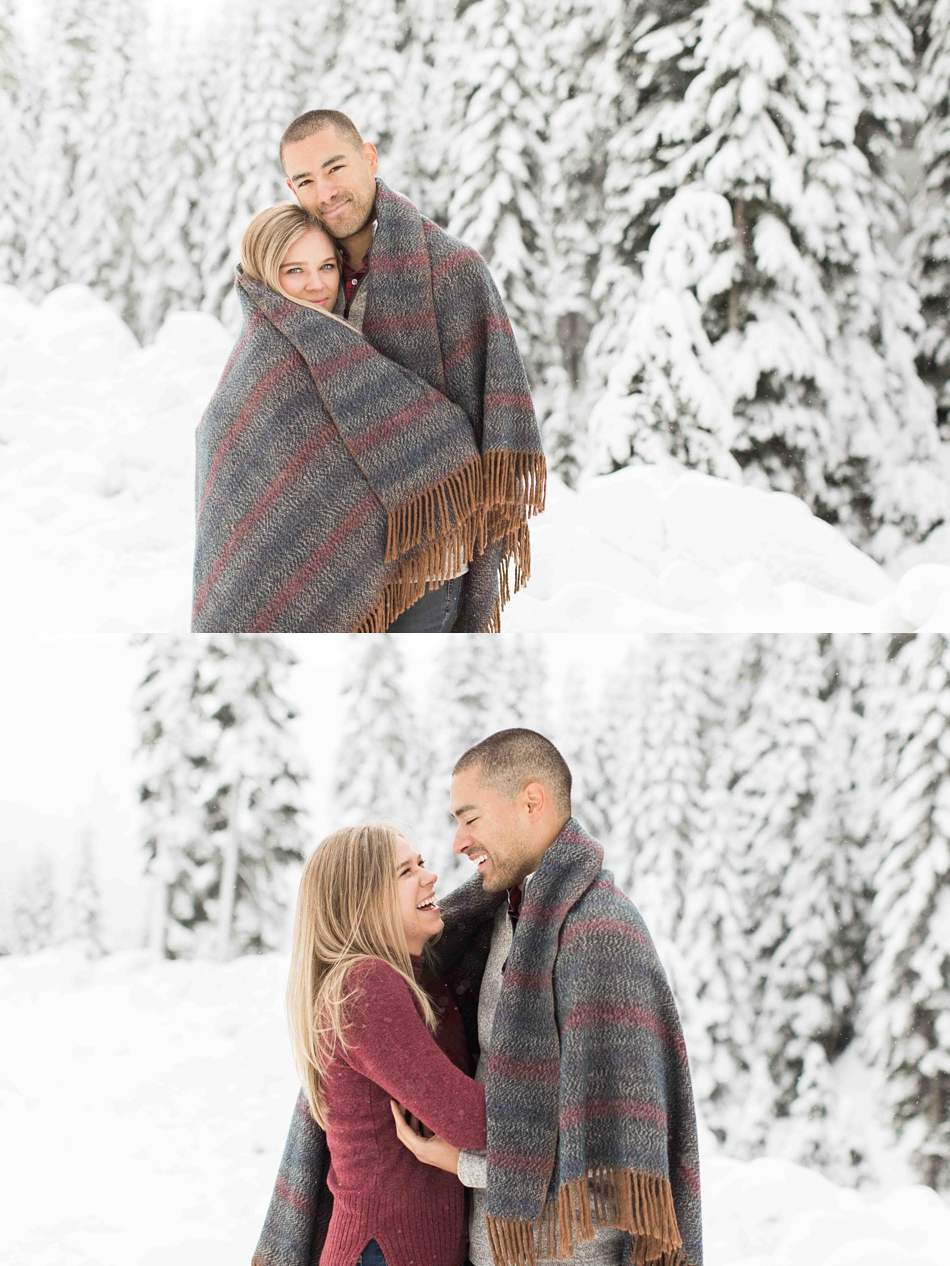 Pictures from a winter snow engagement photography shoot at Snoqualmie Pass near Seattle, WA. | Joanna Monger Photography | Snohomish Wedding Photographer