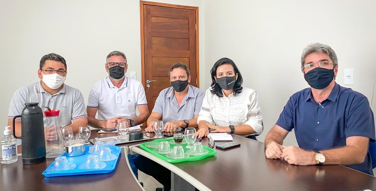 Deputada Pollyanna Dutra realiza reuniões de articulação no Sertão da PB Parlamentar se reuniu com lideranças de Lagoa, Brejo dos Santos e Catolé do Rocha em dois dias de agendas