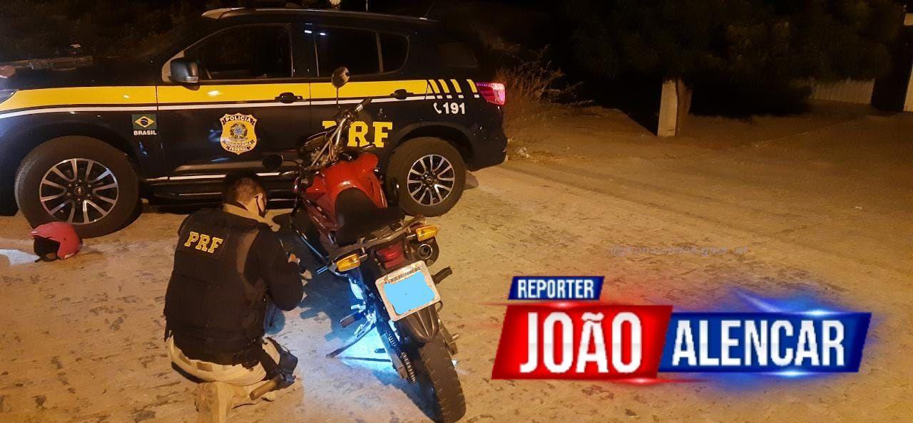 PRF recupera motocicleta roubada que circulava clonada no sertão da Paraíba
