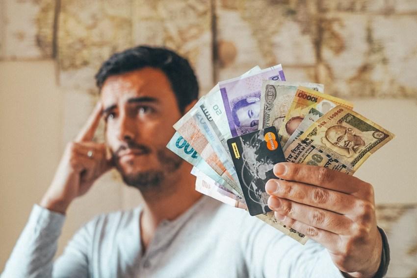 Em viagem: Dicas sobre dinheiro