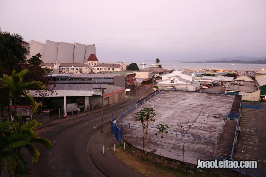 Vista da varanda do meu quarto no City Private Hotel em Suva nas Ilhas Fiji