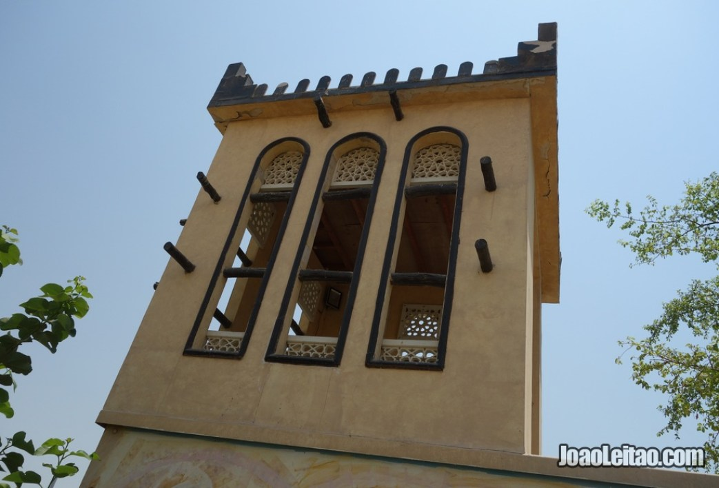Torre tradicional bareinita