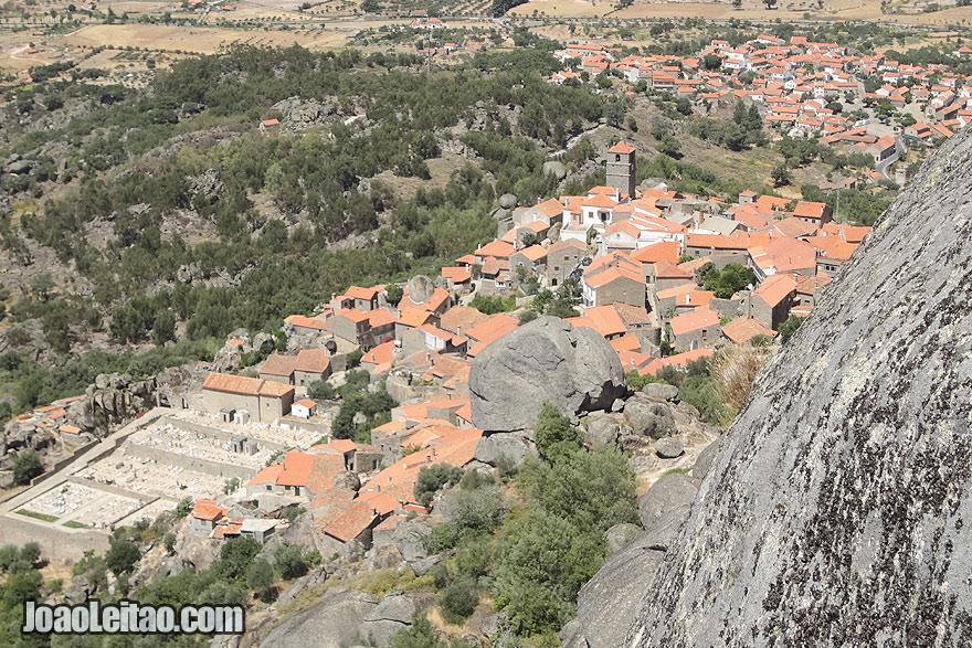 Aldeia Histórica Portuguesa feita em Pedra