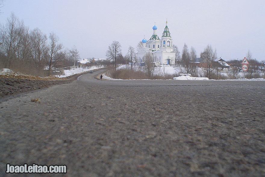 Viajando de carro na Rússia