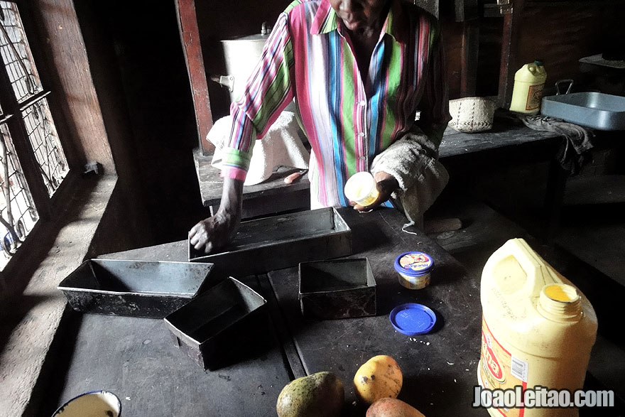How to Make African Bread
