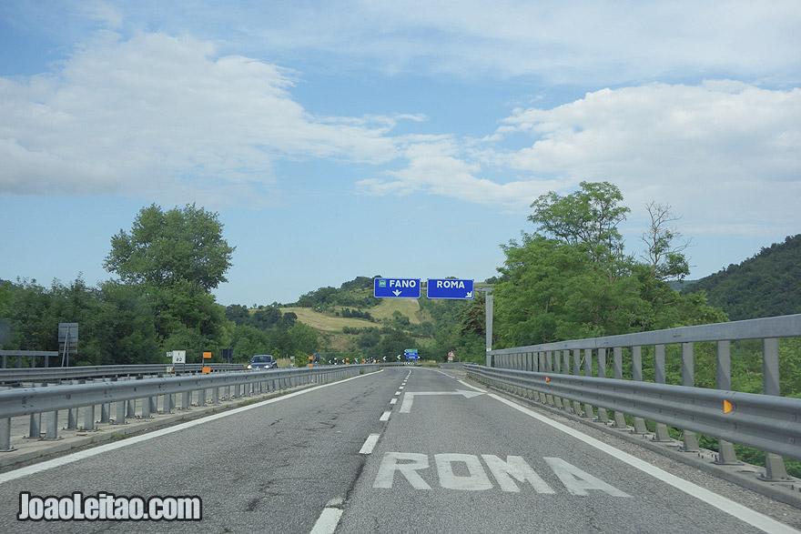 A conduzir em Itália e San Marino