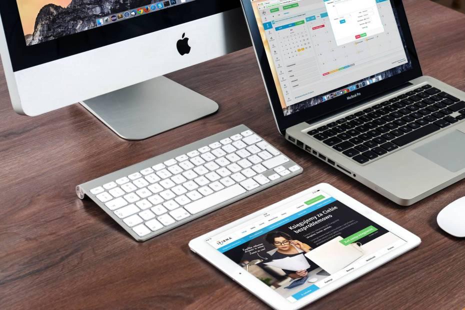 apple laptop notebook office